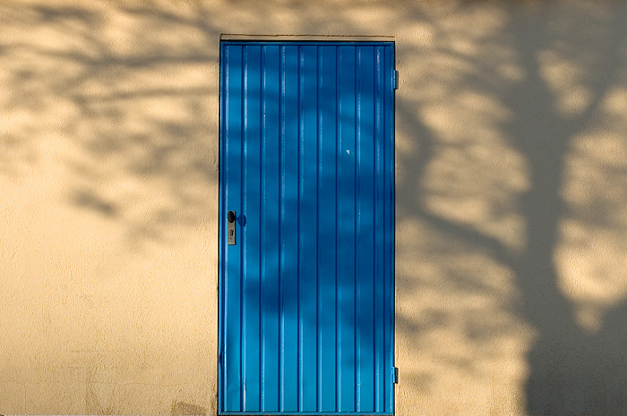 a picture called blue door should be here...