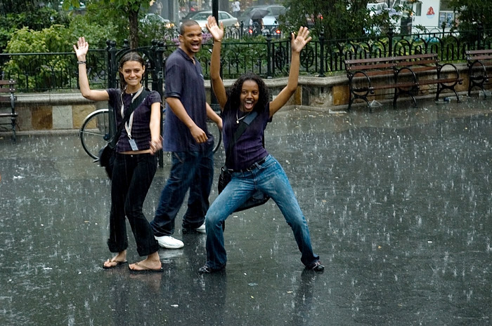a picture called Dancing in the rain should be here...